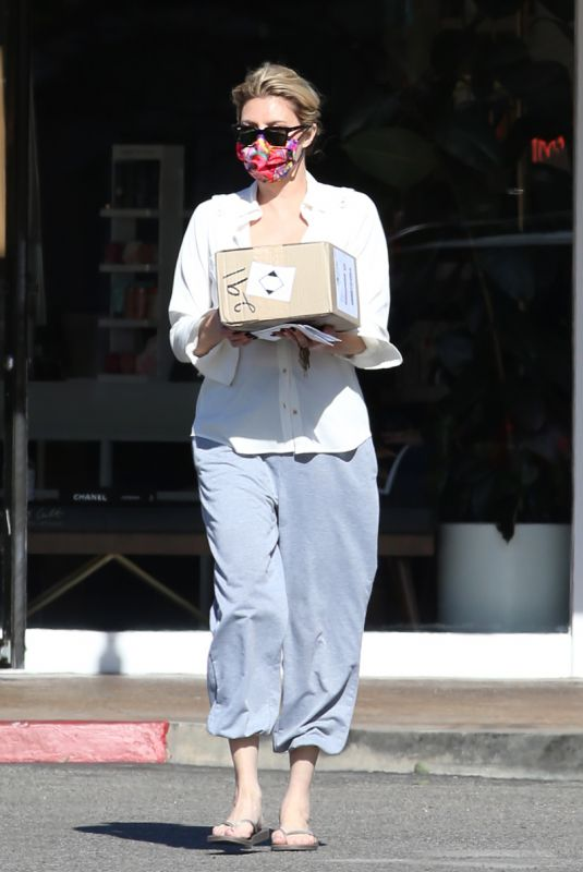 BRANDI GLANVILLE at a Post Office in Bel-Air 03/08/2021