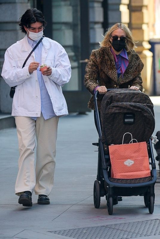 CHLOE SEVIGNY and Sinisa Mackovic Out in New York 03/29/2021
