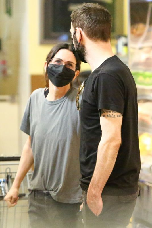 COURTENEY COX and Johnny McDaid Out Shopping in Malibu 03/27/2021