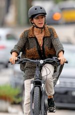 ELSA PATAKY and Chris Hemsworth Out Riding Bikes in Sydney 03/03/2021