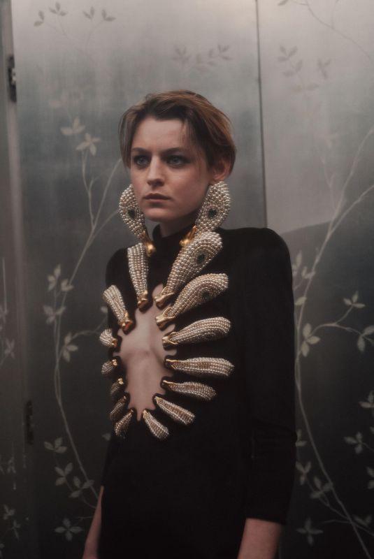 EMMA CORRIN – 2021 Critics Choice Awards Portrait