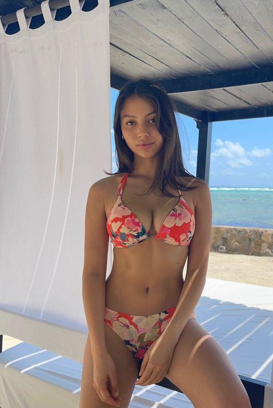 FIONNA BARRON in Bikini – Instagram Photos 03/28/2021
