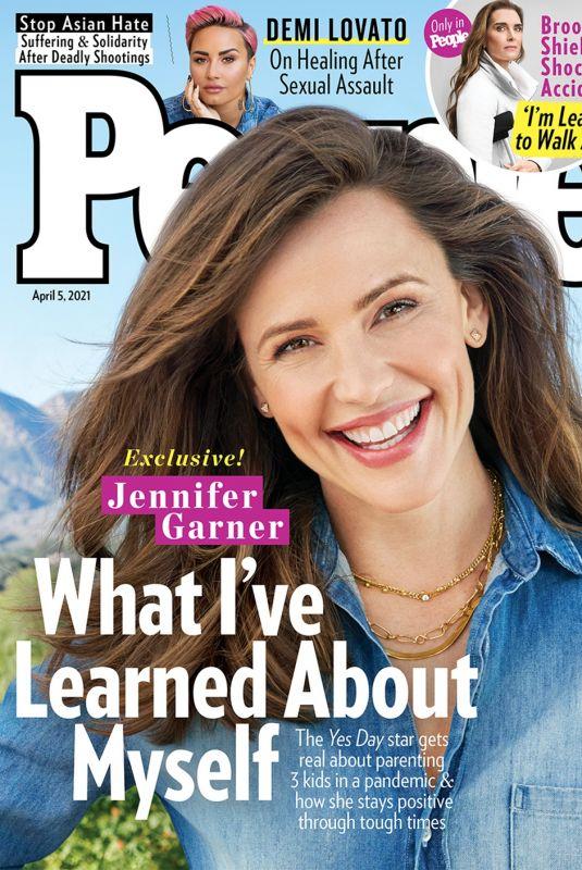 JENNIFER GARNER in People Magazine, April 2021