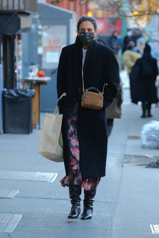 KATIE HOLMES Out Shopping in New York 03/05/2021