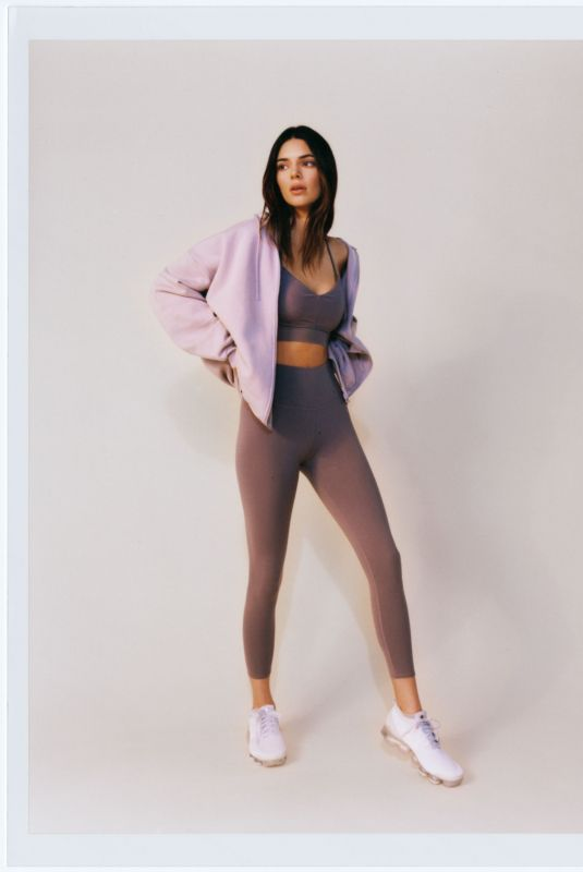 KENDALL JENNER for Alo Yoga 2021
