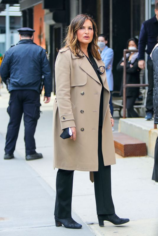 MARISKA HARGITAY on the Set of Law and Erder: Special Victims Unit in New York 03/11/2021