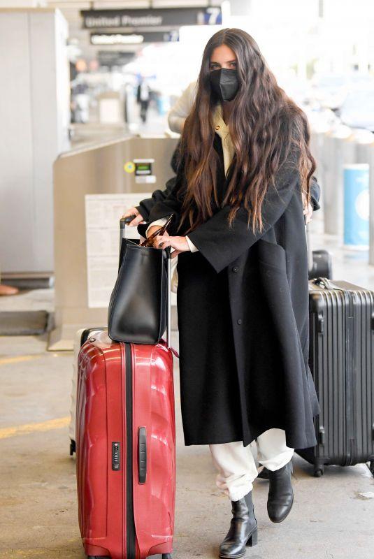 SARA SAMPAIO Arrives at LAX Airport in Los Angeles 03/18/2021