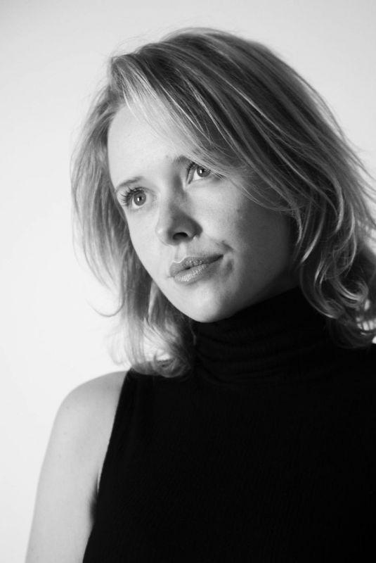 AMELIA EVE – Black and White Photoshoot, 2021