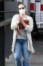AMY ADAMS Shopping at Target in Los Angeles 04/11/2021