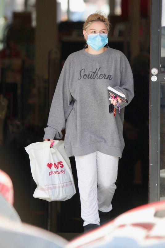 ARIEL WINTER Leaves CVS Store in Los Angeles 04/06/2021