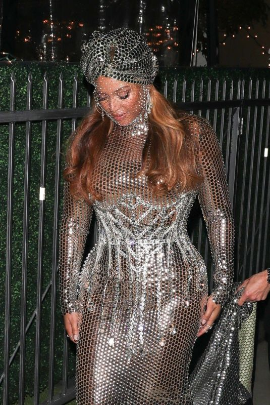 BEYONCE at E.Baldi in Beverly Hills 03/14/2021