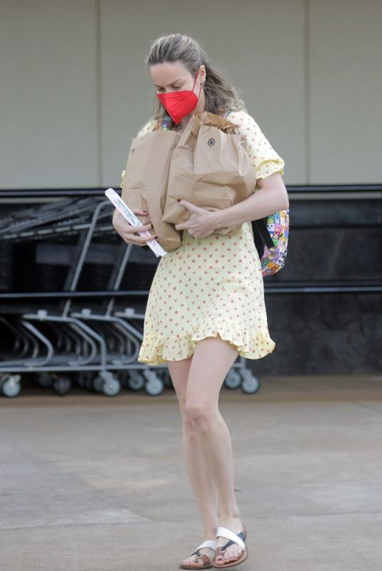 BRIE LARSON Picks up Some Takeaway Out in Hawaii 04/22/2021