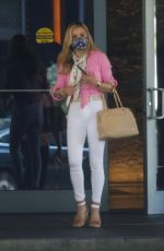 CARRIE UNDERWOOD Leaves Her Hotel in Miami 04/16/2021