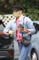 DIANE KRUGER Shopping at Bristol Farms in Los Angeles 04/23/2021