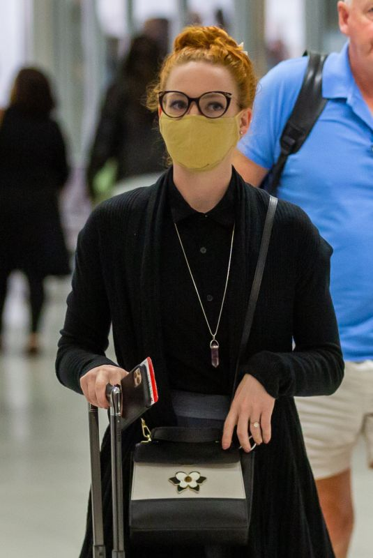 EMMA WATKINS at Airport in Adelaide 04/13/2021