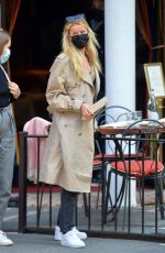FRIDA AASEN Out for Lunch with a Friend in New York 04/27/2021