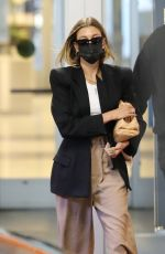 HAILEY BIEBER Leaves a Doctor