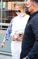 JENNIFER LOPEZ Takes Her Mom to a Doctor