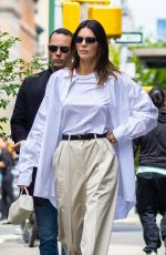 KENDALL JENNER Out for Brunch with Friends in New York 04/27/2021