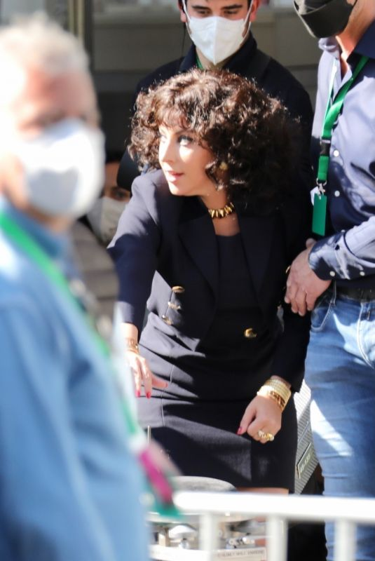 LADY GAGA Arrives on the Set of House of Gucci in Rome 04/01/2021