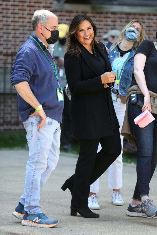 MARISKA HARGITAY on the Set of Law and Erder: Special Victims Unit in New York 04/20/2021