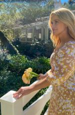 REESE WITHERSPOON - Instagram Photos 04/10/2021