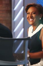 ROBIN ROBERTS on the Set of Good Morning America in New York 04/28/2021