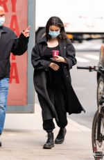 SELENA GOMEZ on the Set of Murders in the Building in New York 04/09/2021