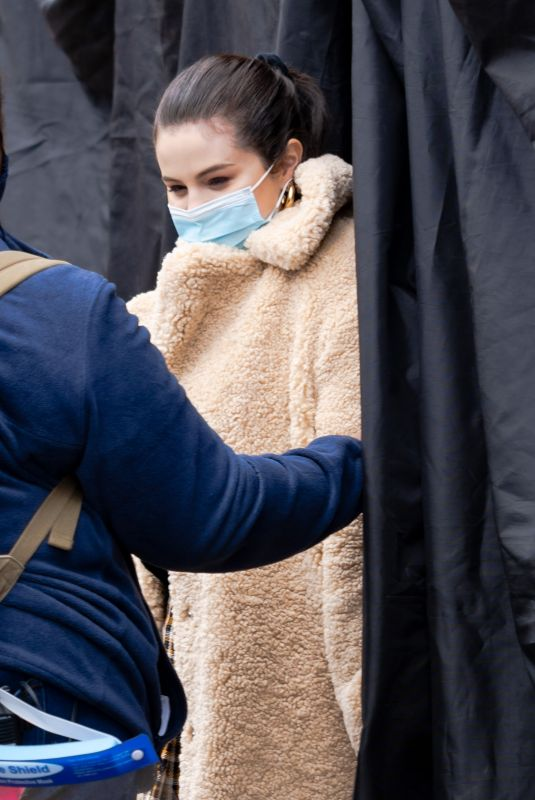SELENA GOMEZ on the Set of Only Murders in the Building 04/12/2021