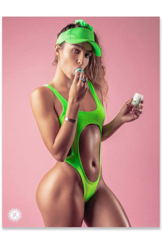 SOMMER RAY - Sommer Ray Posters 2020