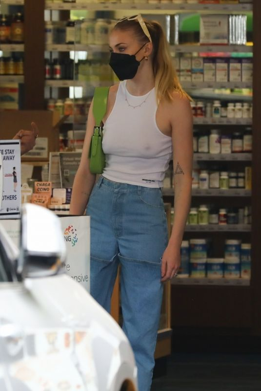 SOPHIE TURNER Out Shopping in Los Angeles 04/21/2021