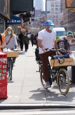 TAYLOR NEISEN and Liev Schreiber OutRiding Bikes in New York 04/10/2021
