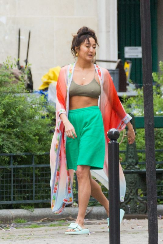 ASHLEY PARK Arrives on the Set of Emily in Paris 05/20/2021.