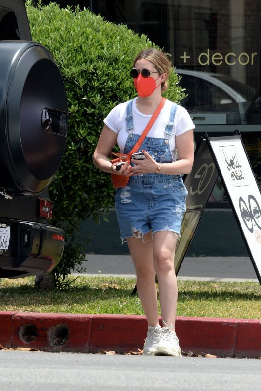 ASHLEY TISDALE Out Shopping in Los Angeles 05/25/2021
