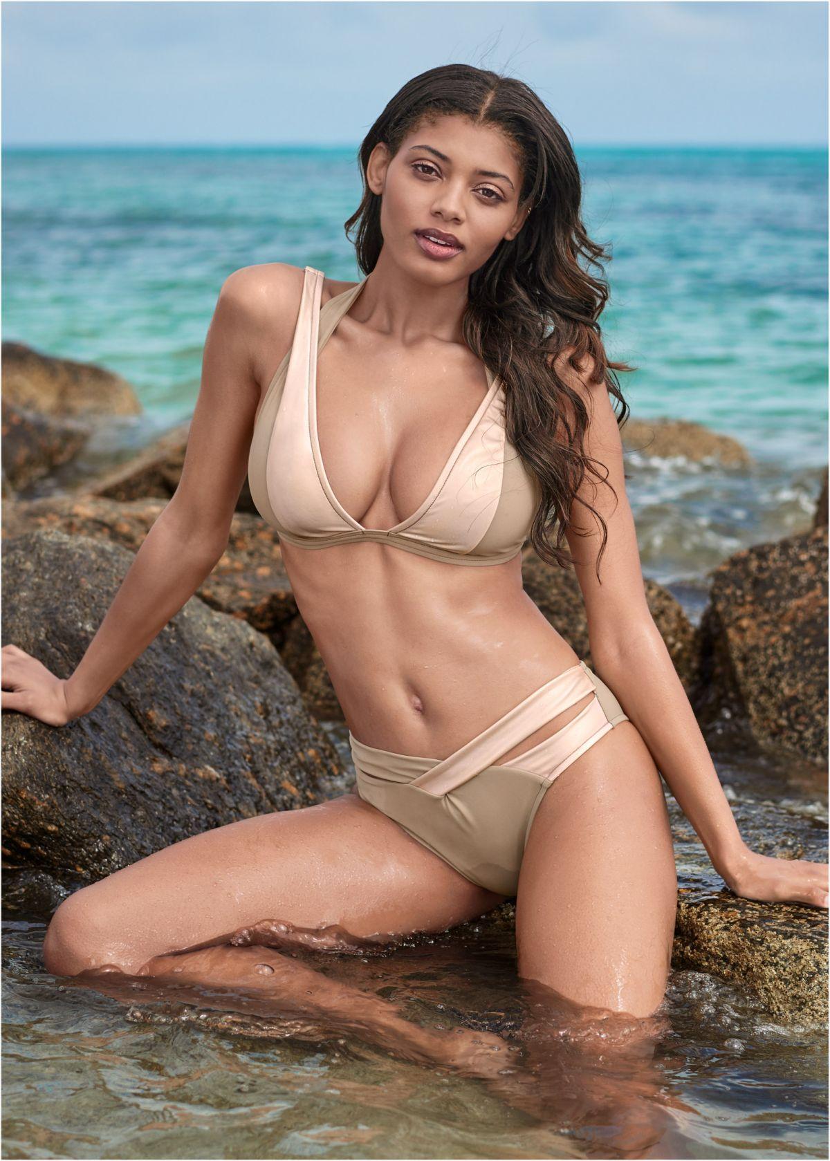 Danielle Herrington - 2019 Sports Illustrated Swimsuit