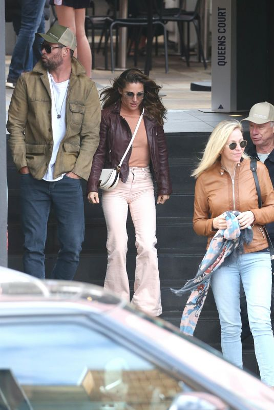 ELSA PATAKY and Chris Hemsworth Out with Chris' Parents in Sydney 05/9/2021