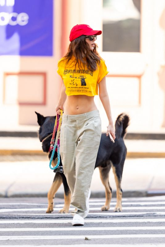 EMILY RATAJKOWSKI Out with Her Dog in New York 05/17/2021