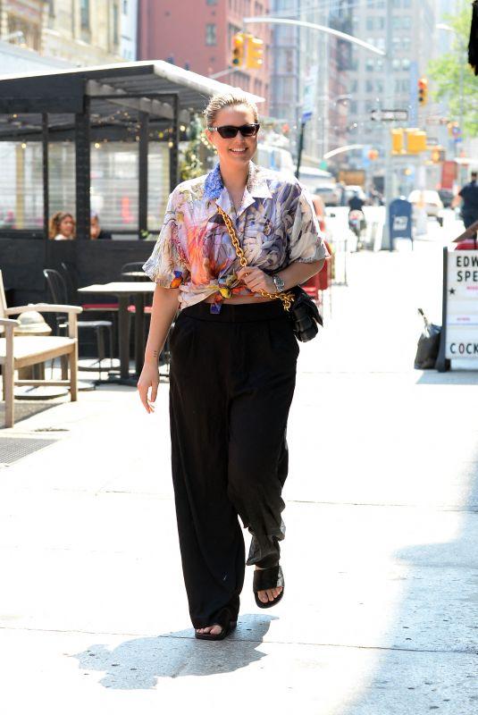 GEORGINA BURKE Out Shopping in New York 05/26/2021