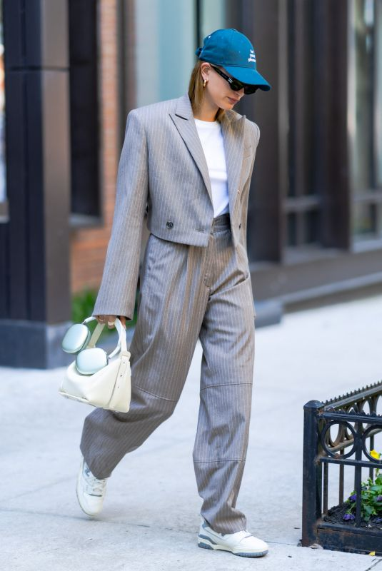 HAILEY BIEBER Out in New York 05/17/2021