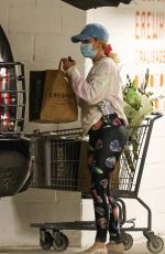 HEIDI MONTAG Shopping at Erewhon Market in Pacific Palisades 05/19/2021