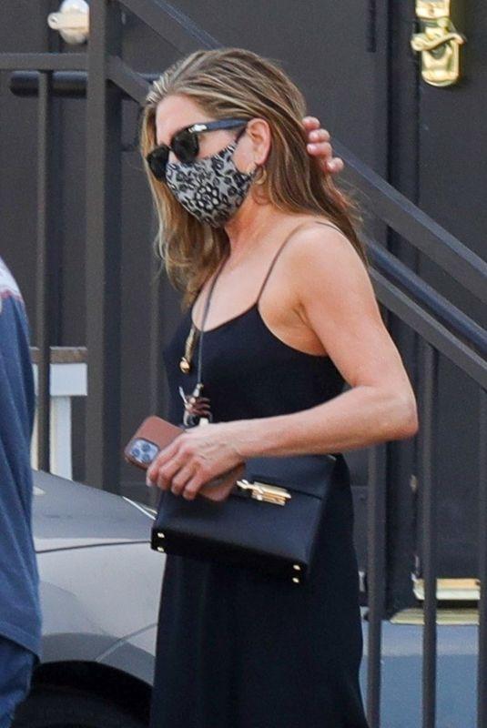 JENNIFER ANISTON Leaves a Hair Salon in Beverly Hills 05/23/2021
