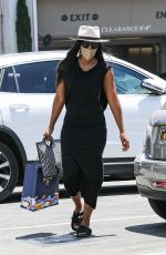 KELLY ROWLAND Out Shopping in Beverly Hills 05/27/2021