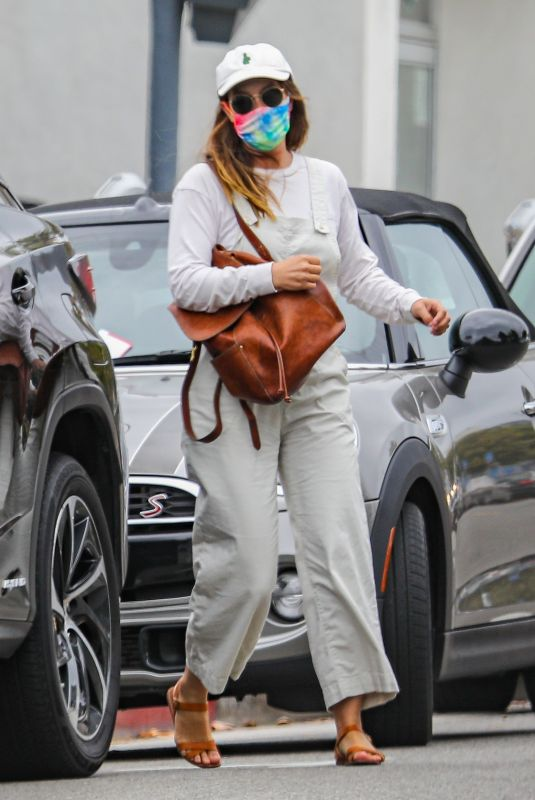 LEIGHTON MEESTER Out in Pacific Palisades 05/10/2021