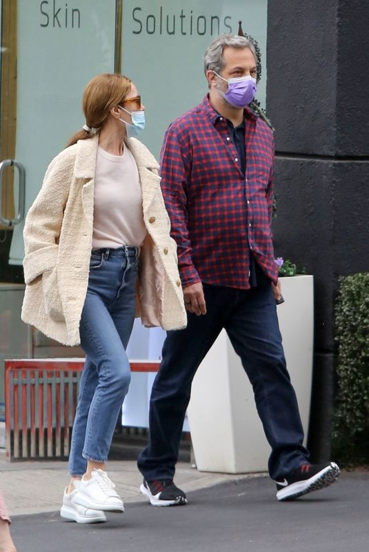 LESLIE MANN and Judd Apatow Out in Santa Monica 05/06/2021