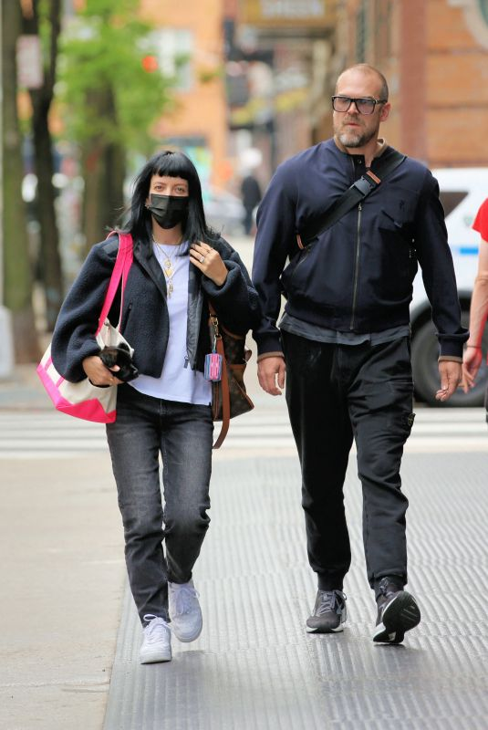 LILY ALLEN and David Harbour Out for Lunch in New York 05/04/2021