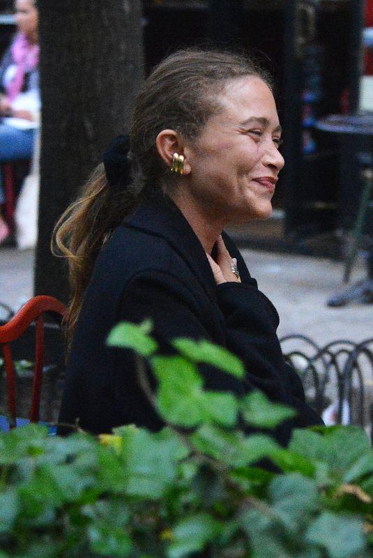 MARY KATE OLSEN Out for Dinner in New York 05/04/2021