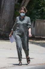MICHELLE PFEIFFER Delivered a Letter Offering to Buy a House in Brentwood 05/03/2021