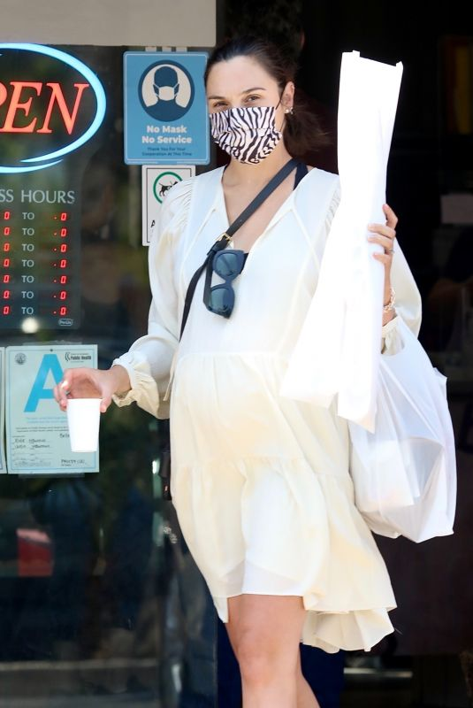 Pregnant GAL GADOT at a Bakery in Los Angeles 05/30/2021