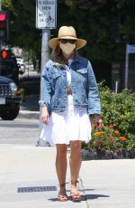 REESE WITHERSPOON Heading to Country Mart in Brentwood 04/30/2021
