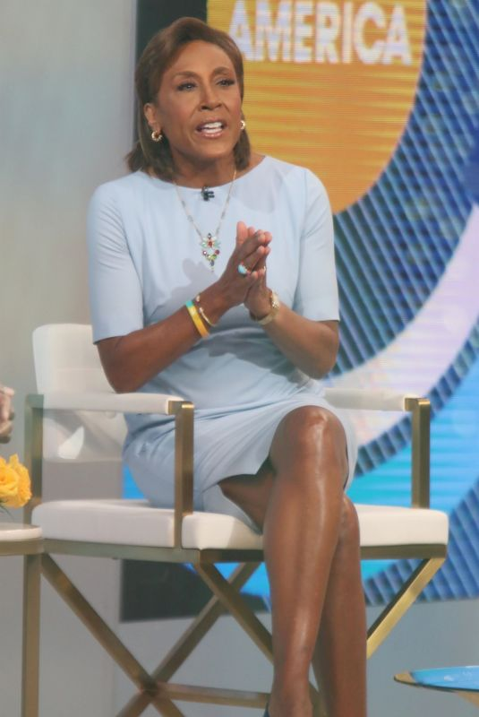 ROBIN ROBERTS on the Set of Good Morning America in New York 05/03/2021